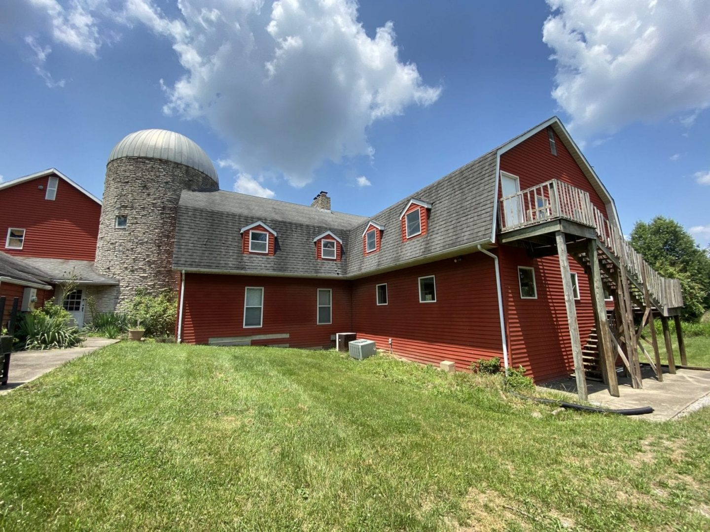 ABSOLUTE AUCTION! 4BR, 5Bath, 3 Acres, Pool Room. Unique!